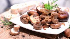 Portion of fried mushrooms (loopable) Stock Footage