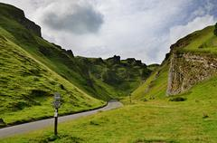 Winnats Pass in Derbyshire Stock Photos