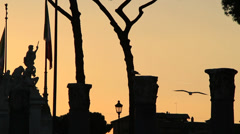 Sunset Roma, silhouette columns & statues 2 Stock Footage