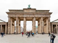 Platz des 18. marz and brandenburg gate Stock Photos
