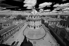 Birdview Oxfordin yliopistosta ja Radcliffe Camera Kuvituskuvat