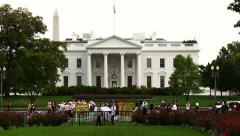 Valkoinen talo aikaintervallitallennuksen lähemmin (4K) Arkistovideo
