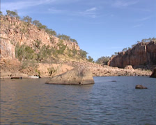 Cruising Katherine Gorge and river in Nitmiluk National park, Australia Stock Footage