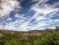 "A cloudscape timelapse in the uKhahlamba/Drakensberg Mountains (""Barrier of Stock Footage"