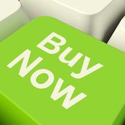 Osta nyt tietokone-näppäintä vihreä osoittaa ostot ja verkkokaupoissa Piirros