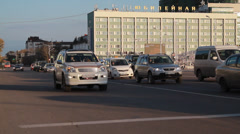 Metropolis. In big city heavy traffic. streets Blagoveshchensk Stock Footage