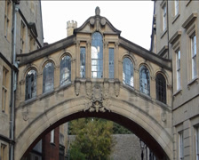 Hertford Bridge also known as Bridge of Sighs Oxford(OXFORD STREET SCENE 18B) Stock Footage