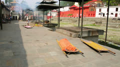 Death corpse burning cremation fire, pashupatinath temple, kathmandu, nepal Stock Footage