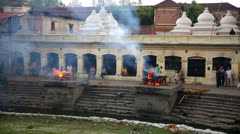 KATHMANDU, NEPAL - JUNE 2013: cremation at pashupatinath temple Stock Footage