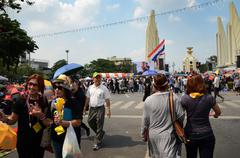 Bangkok - november 11 : the democrats are on the march at democracy monument, Stock Photos
