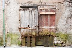 Old wooden doors in france Stock Photos