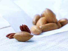 Pecan nuts, studio shot Stock Photos