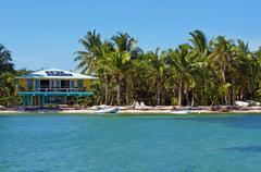 Trooppinen merenranta Beach House Kuvituskuvat