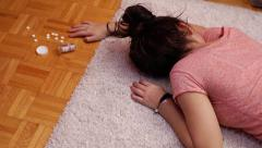 Teen prescription drug abuse Stock Footage