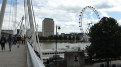 Hungerford Bridge, with sound (LONDON Hungerford Bridge--7a) Stock Footage