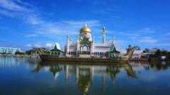 Masjid Sultan Omar Ali Saifuddin Mosque in Bandar Seri Begawan, Stock Footage