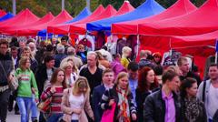 Crowd on weekend fair. Stock Footage