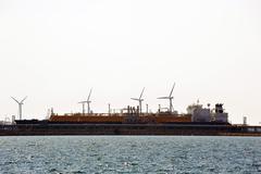 Quay methane tanker to discharge Stock Photos