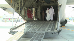 2013 Dubai Air Show visitors on Hercules Ramp Stock Footage