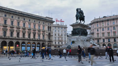 Statue in dome square - time lapse Stock Footage