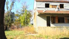 Abandoned house in urban blight  (HD) k Stock Footage