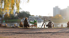 Golden hour by the Canal in Kreuzberg Stock Footage