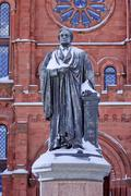 Smithson statue after the snow smithsonian castle washington dc Stock Photos