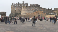 Time lapse of Tourists outside Edinburgh castle Stock Footage