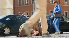 Paljas jalka Begger huomiotta turisteja # Arkistovideo