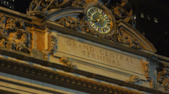 Grand central NYC main outdoor sign sculpture clock Stock Footage