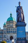 Provincial capital legislative buildiing queen statue victoria british columb Stock Photos