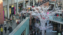 Crowds of shoppers, liverpool one shopping centre at christmas Stock Footage