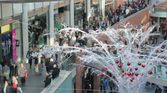 Crowd of shoppers, liverpool one shopping centre at christmas Stock Footage