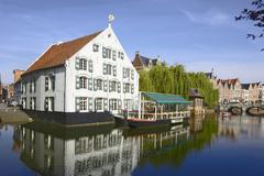 Um, Flanders, town of Lier, Nete canal, the Fortuin, grains warehouse of the Stock Photos