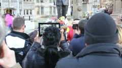 Nelson Mandela statue day he died tilt from crowd Stock Footage