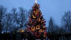 180 degree hyperlapse around town christmas tree Stock Footage