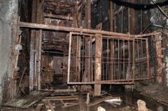 Vanha hissi hiilikaivoksessa Kuvituskuvat