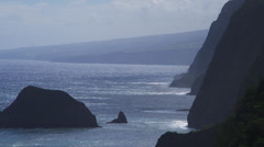 HAWAII – POLOLU LOOKOUT – COASTAL CLIFFS (ZOOM OUT) Stock Footage