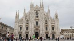 People Walking Landmark Duomo Milano Gothic Cathedral Church Milan Italy Cloudy Stock Footage
