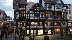 Christmas shoppers, Bridge Street and eastgate street, chester Stock Footage