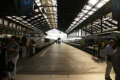 Stock Photo of passengers arrive at the .gare de lyon