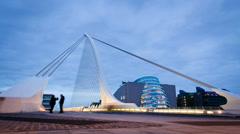 Samuel Beckett bridge night time lapse, Dublin Ireland. Stock Footage