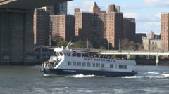 NY water taxi and Pier 17 Stock Footage