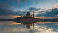 Timelapse Of Sunrise At Putra Mosque by the lake in Putrajaya Stock Footage