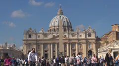 Group tourist San Pietro church square crowded people take photo Rome holiday Stock Footage