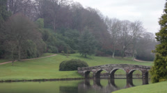 Bridge and lake at stourhead Stock Footage