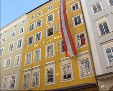 Hagenauerhaus, Getreidegasse no.9 Birthplace of W. A. Mozart Stock Footage