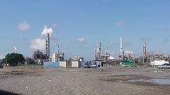 Time lapse of oil and gas refinery process plant. Stock Footage