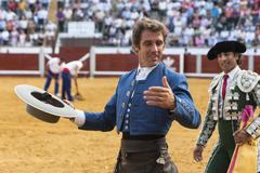 Spanish bullfighter on horseback pablo hermoso de mendoza turning of honor  Stock Photos