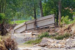 Sillan jälkeen tulvia Kuvituskuvat